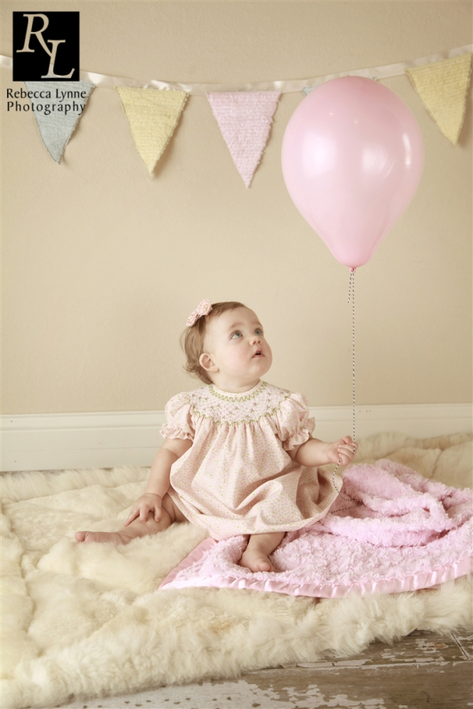 Little Miss Evie : One Year Portrait Session