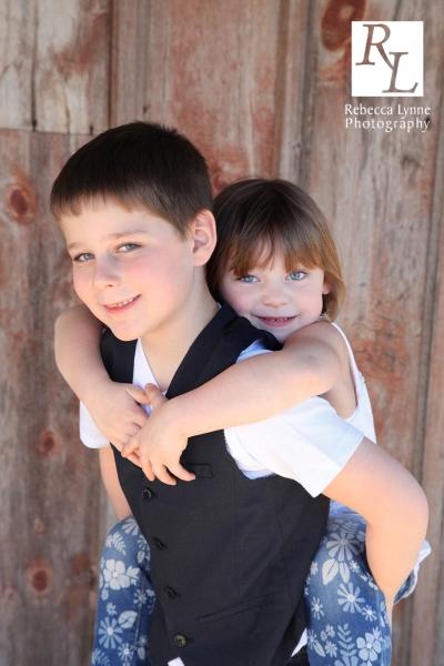 children's portrait siblings